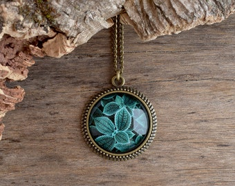 Green blue leaf necklace, Woodland pendant, Tree leaves necklace, Antique brass necklace, Teal nature necklace, Nature jewelry gift NJ 019