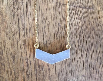 Natural Agate Chevron Druzy Gold Necklace, Chevron Druzy Stone Gold Necklace, Boomerang shaped Druzy Gold Necklace, Natural Druzy Necklace