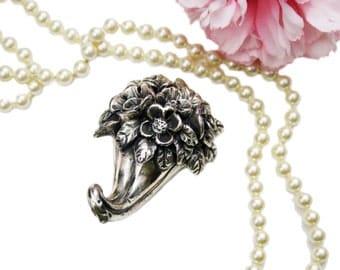 Rare Un'idea Vestita D'argento Sterling Silver Floral Hook, Bauri Designer, Silver Hook Made in Italy