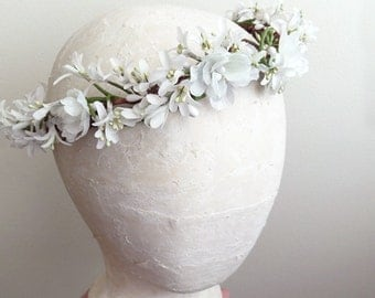 first communion crown, communion headpiece, white flower crown, european style, first communion hair accessories, white flower girl halo