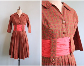 Vintage 1950's Coral Paisley Dress | Size Small