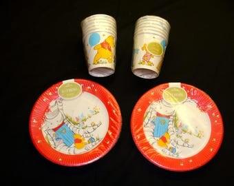 Hallmark Winnie the Pooh plates-winnie the pooh cups-old hallmark paper lot-winnie the pooh party-children's party plates
