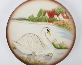 "1970's HOMCO Swan Mother, Baby Swans Scenic Porcelain Decorative Plate, #1429, Near Mint Cond., Original Styrofoam Box, 7-1/2"" Diameter."