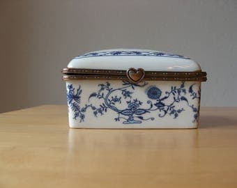 Vintage blue and white porcelain box