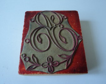French vintage large embroidery monogram rubber stamp letter A or R (03377)
