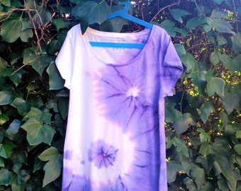 Yin Yang Tie Dye t shirt / psychedelic / hippie / hipster / festival / ying yang / handmade / indie / present / psychedelic t shirt