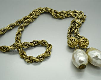 Vintage Gold and Baroque Pearl Lariat Style Necklace
