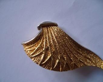 Huge goldtone clip earrings 70s clip earrings  chunky goldtone earrings