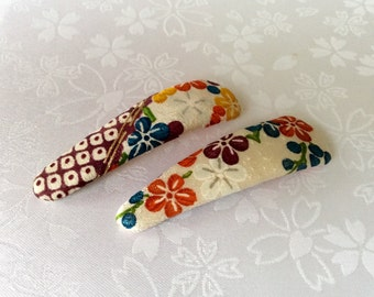 Japanese Silk Vintage Kimono Fabric - M Size - 2 Hair Snap Clips - White & Flowers