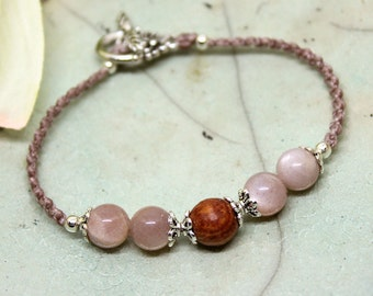 Moonstone bracelet romantic, pink moonstone, macrium bracelet, gemstone bracelet, gemstone jewelry, beaded bracelet, vintage style,