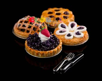 Dollhouse Miniatures Mixed Blueberry Round Tart Pie on Aluminum Dish with Fork and Knife Food Bakery Decoration