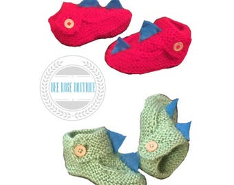 Dinosaur baby booties | Knitted baby booties| Dinosaur Baby boy coming home outfit | dino baby boy clothes| baby boy shoes | Knit baby shoes