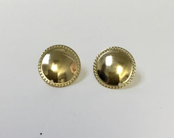 Round earring post. 18/20 Goldfilled earring.
