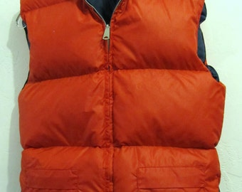A Men's Vintage 60's,REVERSIBLE Nylon SKI Vest With DOWN Insulation By Montgomery Ward.S