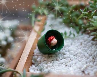 1pcs  Miniature Tiny Ponyo Sit in Bucket Mini Garden Supplies Succulent Terraium Decor DIY Accessories Figurines
