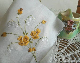 Vintage Embroidered Handkerchief - Yellow Floral