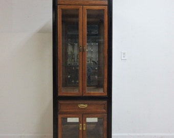 Thomasville Mandarin Asian Inspired Curio Crystal Cabinet Hutch Display