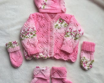 Baby  Girl Coming Home Outfit,Pretty Handknitted Baby Girls Round Neck Cardigan,Bonnet,Mittens & Bootees Set Size 0-3 months in Pink