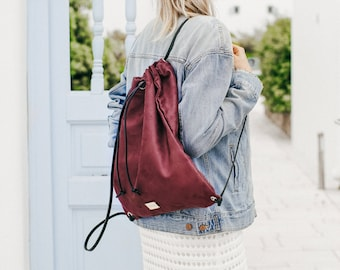 Backpack • Red •