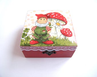 Wooden Kids Box, Red Jewelry Box, gift for girl, Handmade, Art Decoration, girls keepsake box, square box, storage box, tooth fairy box