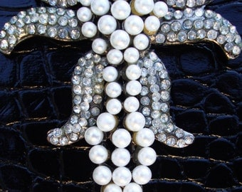 PEARL BROOCH PIN Art Nouveau Style Costume Retro Jewelry Vintage Ornate Design Clear Pave Set Rhinestones, Silver Tone Metal Clasp Scarf Pin
