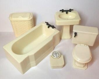 Renwal 5 piece Ivory  Bathroom Set vintage miniature dollhouse furniture 1:16 plastic