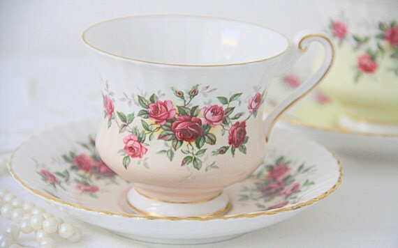 Vintage Paragon Bone China Gentleman Size Cup and Saucer, White and Salmon Pink, Red and Pink Roses Decor, England, Numbered