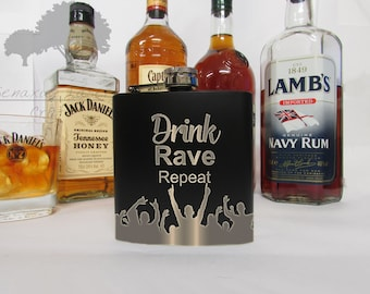 Personalised 6oz Hip Flask, Perfect Gift for Birthdays, Anniversaries, Stag do's and Weddings (BF10)