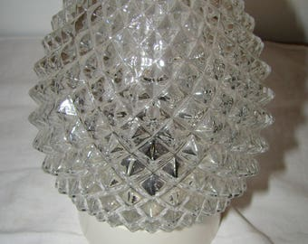 Ceiling light spikes