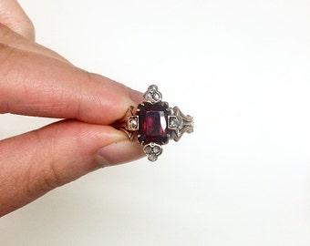 SALE! Garnet ring, Gold garnet ring, Gold ring, Vintage ring, Vintage jewelry, Ring, Vintage garnet ring, Antique ring, Antique garnet ring