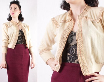 50s Cashmere sweater velvet ribbon gold lame thread pinup girl cardigan pink and cream retro top goldstein size Medium
