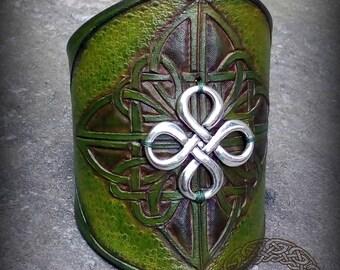 Green Leather Bracelet with Celtic Celtic Knot