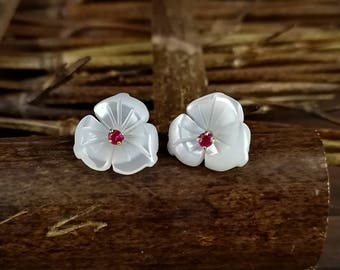 10pcs 10mm White Mother of Pearl Flower Beads White Shell Carved Flower Beads Cetre Drilled MOP Flowers 3-petal Flower