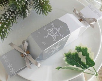 6 Fill-Your-Own Christmas Favour Crackers & Tags  - Snowflake