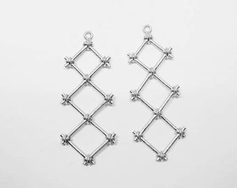 P0634/Anti-Tarnished Matte Rhodium Plating Over Brass /Knotted Three Rhombuses Pendant/15x40mm/2pcs
