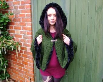 capelet. knit and faux fur hooded cloak. warmest ever capelet. hooded cape, poncho, cloak, LOTR, GOT, renaissance