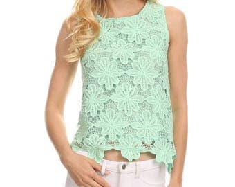Crochet Lace Sleeveless Relaxed Fit Top / TP-F1016