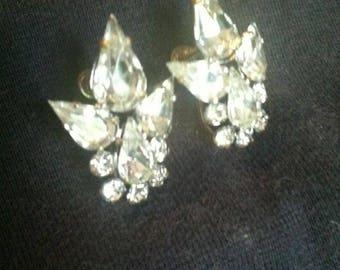 1960's Rhinestone Earrings Screw Backs Crystal clear prefect for weddings or prom or padgents