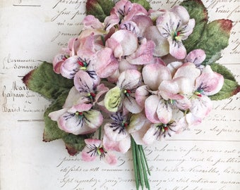 antique pink viola posy. vintage looking velvet flower posy. millinery flowers. millinery supplies, wholesale velvet flowers. scrapbooking