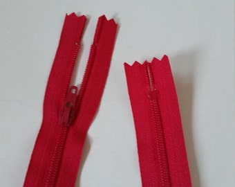 Closed end polyester zip - 55cm - Red
