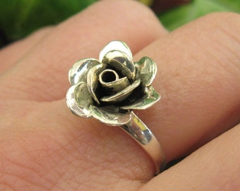 Sterling Silver Flower Design Ring