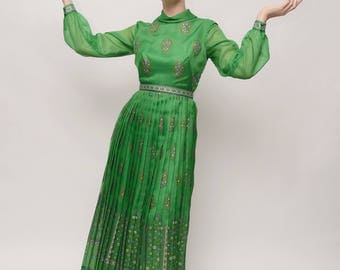 Shaheen Floral Pattern Pleated Emerald Green Dress with Bronze Detailing and Matching Belt - Regal Gown - 1970s - Medium