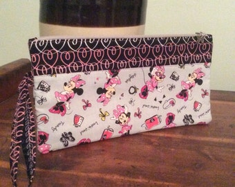 Handmade, quilted, Minnie Mouse, wristlet, zippered pouch, clutch, cosmetic bag, toiletry bag, disney, pink, grey, black