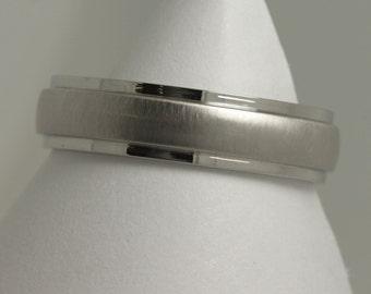 Platinum 5mm mens satin finish diamond cut wedding ring / mens 5mm band/diamond cut band /5mm platinum ring/ mens ring / wedding band /