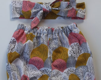 100% Organic Cotton Handmade Baby Bloomers with matching Head Wrap. Size 3-6 Months