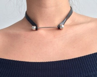 Leather choker with barbell