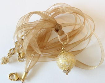 Opaque white Ca'd'oro 24kt Gold Foil Murano glass bead ribbon necklace