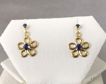 10K Yellow Gold Natural Sapphire (0.18 ct) Earrings, Flower Earrings, Appraised 295 CAD