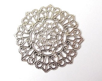 Silver edited round filigree charm 32mm