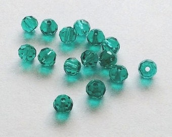 30 Glass Malachite 4mm Green Faceted Loose Ball Beads - B5001